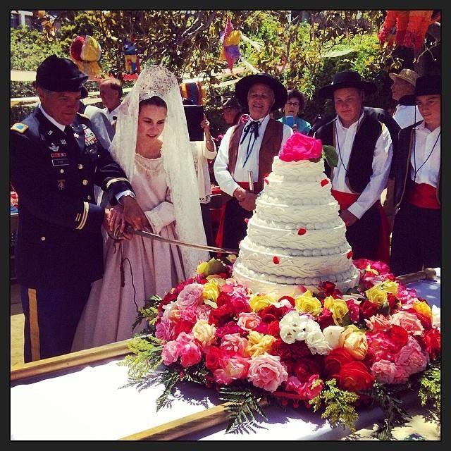 La Merienda cake cutting (2)x